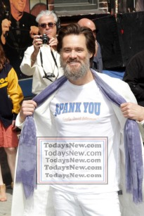 JIM CARREY at ''Live with David Letterman Show'' Final show 5=20-2015 John Barrett/Globe Photos 2015