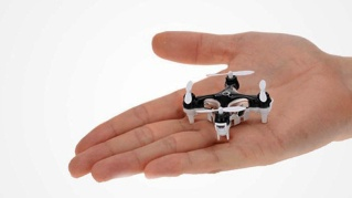 worlds-smallest-drone-1