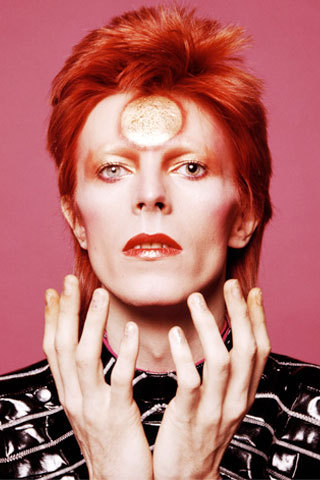 2014-09-24-davidbowie1973makeuplook320x480-thumb