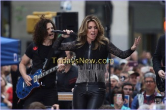 Shania Twain performing on NBC ''Today''show at rockefeller Plaza