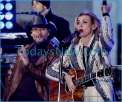 Tim McGraw and Faith Hill performing on NBC ''Today'' Show at Rockefeller Plaza